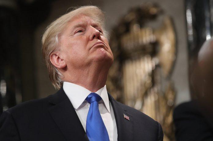DAZI, Trump stretto tra ritorsioni internazionali e opposizione interna.
