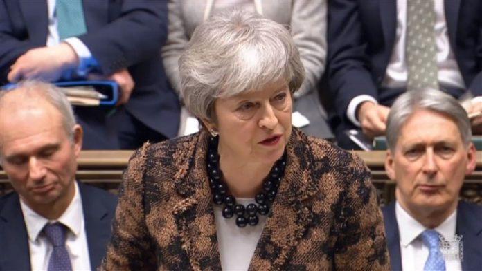 theresa may brexit Jeremy Corbin in Opposizione alle Soluzioni della May
