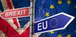 Theresa May e la Brexit immagine