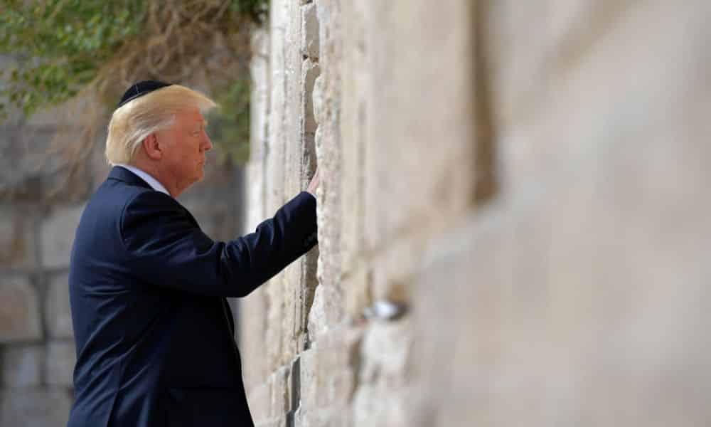 trump muro del pianto